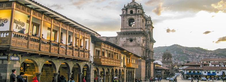 Circuit Pérou/Bolivie - Jours 1 & 2 : Vol pour Lima - Vol intérieur pour Cusco