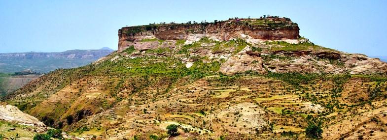 Circuit Ethiopie - Jour 7 : Axoum (2130m) - Debredamo (2215m) - Adigrat (2460m)