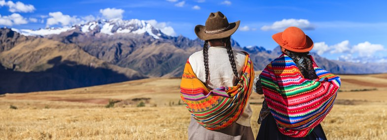 Circuit Pérou - Jour 8 : Llachon (3850 m) - Taquile (3820 m) - Uros - Puno (3820 m)